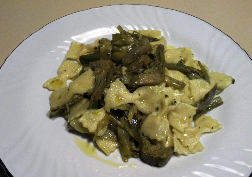 farfalline di pasta fresca con carciofi