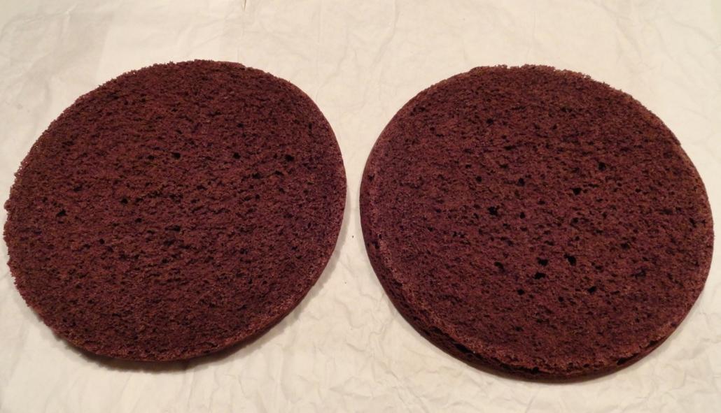 Torta al cacao con panna e arancia